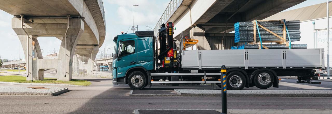 Solicitați un Volvo FM cu o gamă largă de configurații punte, ampatamente și înălțimi de șasiu adaptate nevoilor dumneavoastră.
